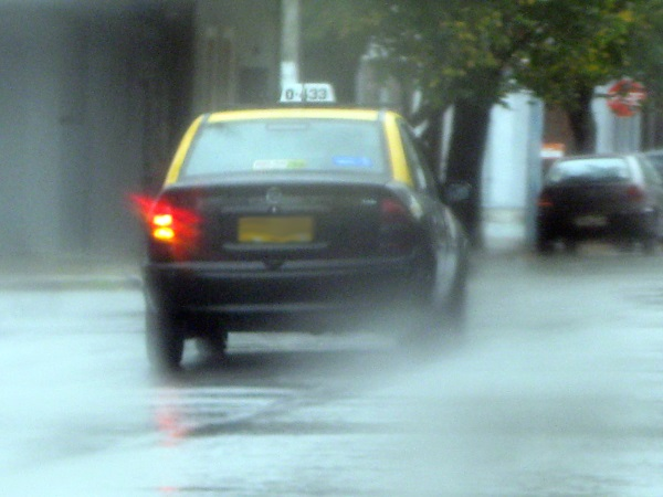 Stay safe while driving in storms and avoid hydroplaning with auto from andrew gordon inc insurance norwell ma