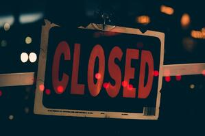 close-up-photo-of-closed-signboard-1706020